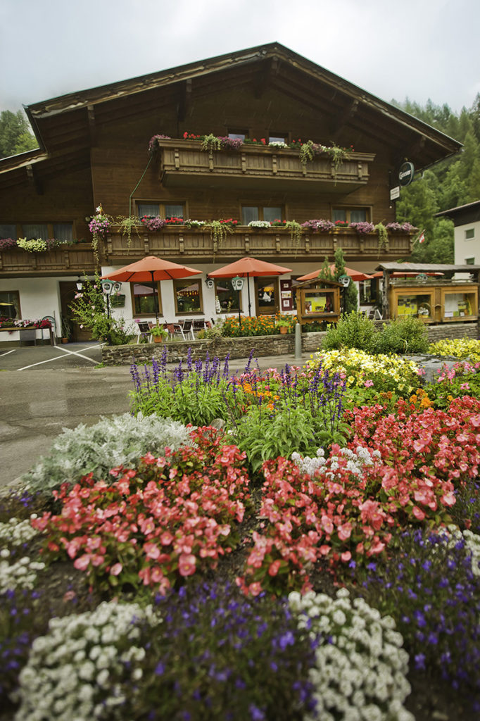 """der Tiroler Genuss Wirt des Jahres 2010 """"Gasthaus Grossvenediger"""""""