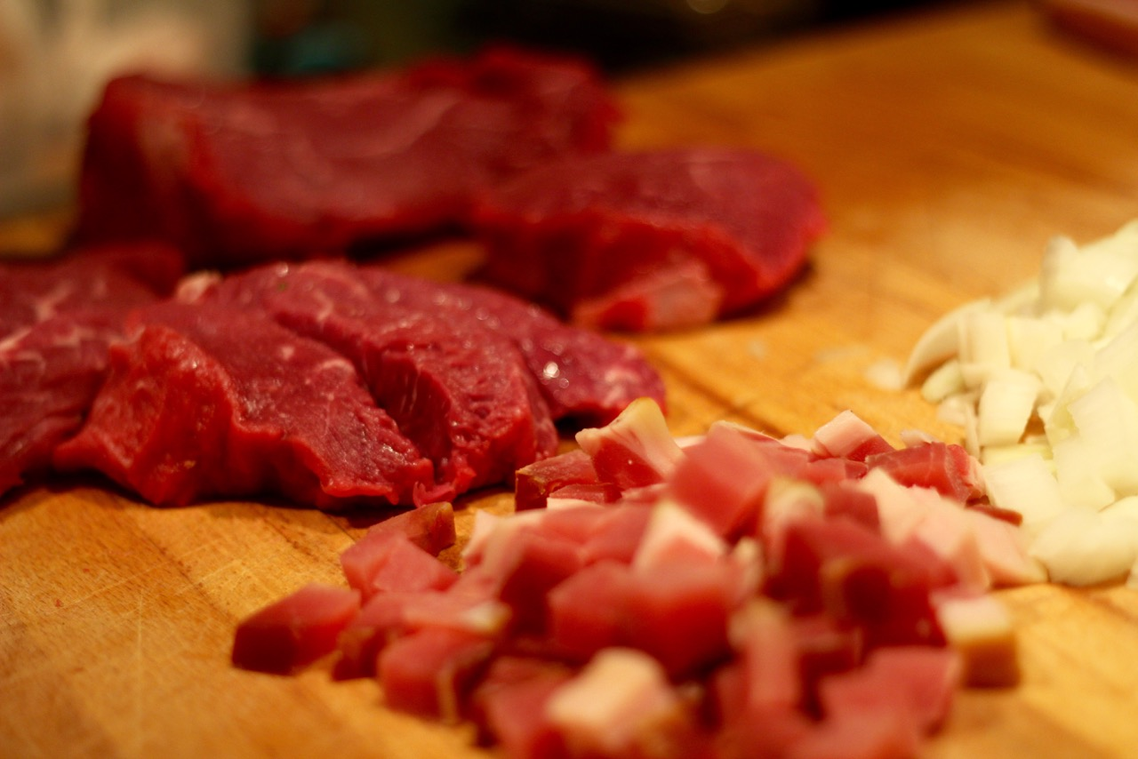 wirtshausfuehrer-stumpfer-rindfleischragout-zubereitung-2