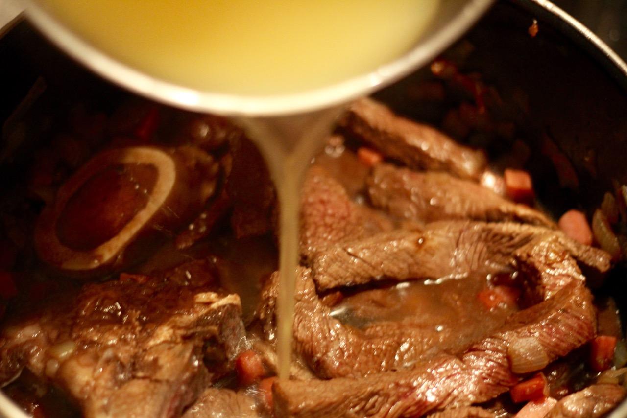 wirtshausfuehrer-stumpfer-rindfleischragout-zubereitung-5