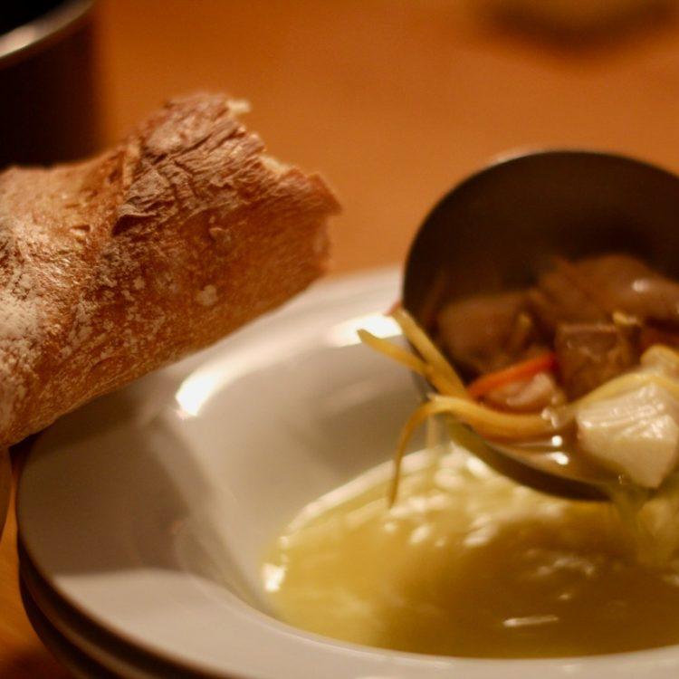 Wirtshausfuehrer – Kochen wie der Wirt – Fischsuppe mit Safran – Gasthaus Gregorits 16