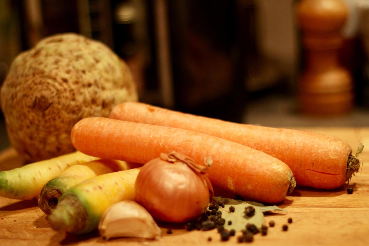 Wirtshausfuehrer – Kochen wie der Wirt – Fischsuppe mit Safran – Gasthaus Gregorits 2