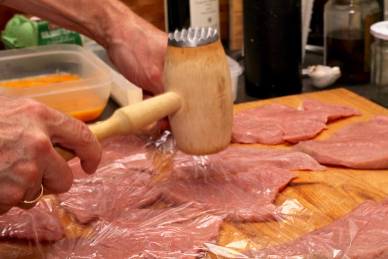 Wirtshausfuehrer - Kochen wie der Wirt – Wiener Schnitzel – Figlmüller –Wien 3