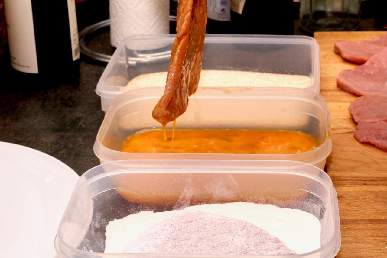 Wirtshausfuehrer - Kochen wie der Wirt – Wiener Schnitzel – Figlmüller –Wien 4
