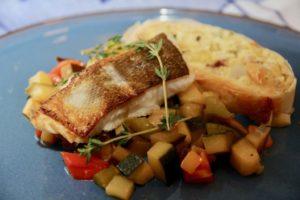 Kochen wie der Wirt: Neusiedlersee-Zander auf eingelegtem Seewinkler Gemüse