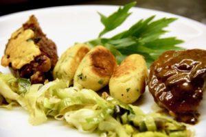 Kochen wie der Wirt: Geschmorte Schweinsbackerl