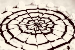 Burgenland genießen: Esterházy Torte mit Walnüssen aus dem Mittelburgenland-Rezept